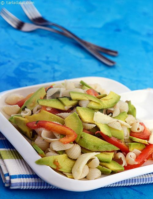 big_avocado,_tomato_and_mozzarella_pasta_salad-7129.jpg