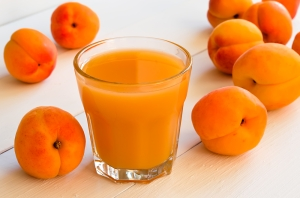 apricot-orange-and-apple-juice